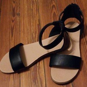 Flatbed Sandals
